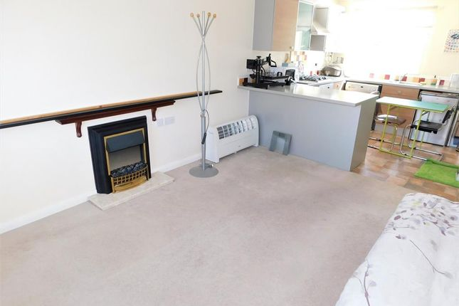 Living Room of Cades Field Road, Sutton-On-Sea, Mablethorpe LN12