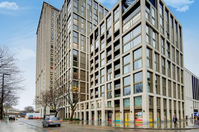 Thumbnail Flat for sale in Southbank Place, London