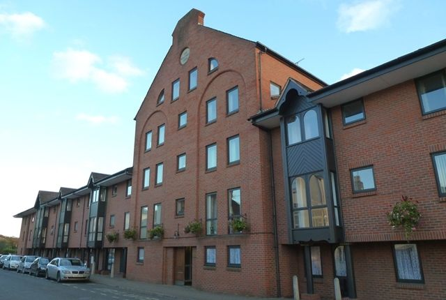 Thumbnail Flat to rent in The Maltings, Station Street, Tewkesbury