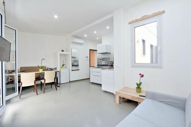 Thumbnail Flat for sale in Whitworth Street, Manchester