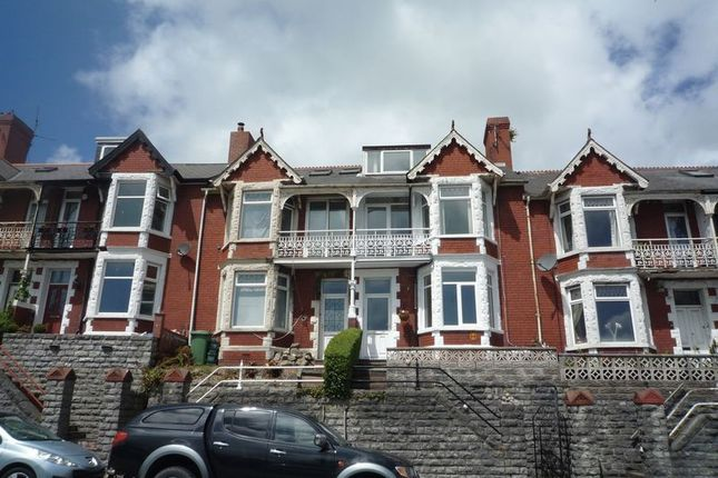 Thumbnail Flat to rent in Park Avenue, Barry