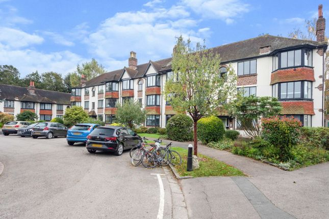 2 bed flat for sale in Forest Court, London E11