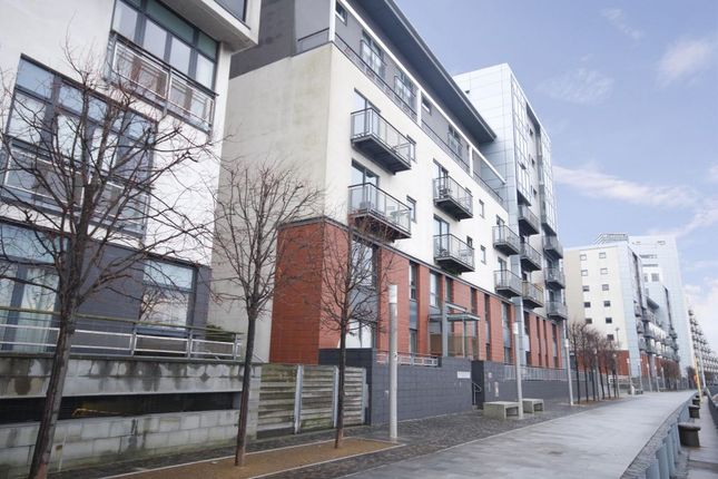 Thumbnail Flat to rent in Meadowside Quay Walk, Glasgow Harbour, Glasgow