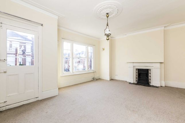 3 bed flat to rent in Perrymead Street, London