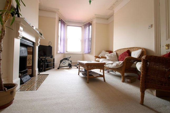 2 bed flat to rent in Sydenham Park Road, London