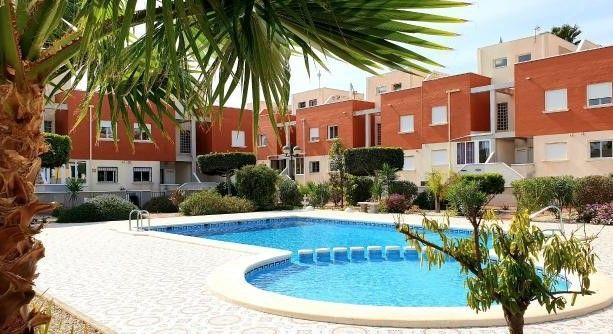 Town house for sale in Avenida De Huelva, Ciudad Quesada, Rojales, Alicante, Valencia, Spain