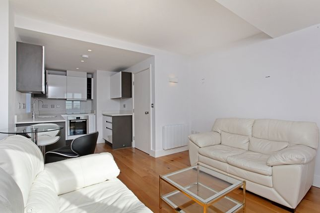 Thumbnail Flat to rent in Peascod Place, Windsor