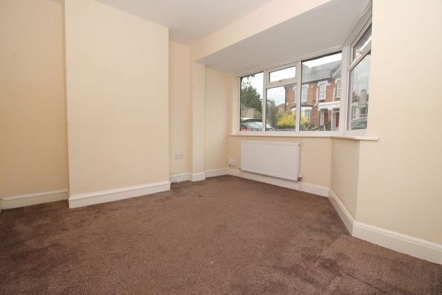 Thumbnail Semi-detached house to rent in Highfield Road, Dartford