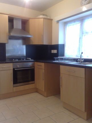 Thumbnail Shared accommodation to rent in 240 Urban Road, Doncaster, South Yorkshire