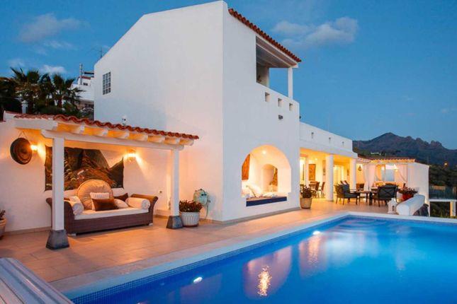 5 bed villa for sale in Las Moraditos, Adeje, Tenerife, 38677