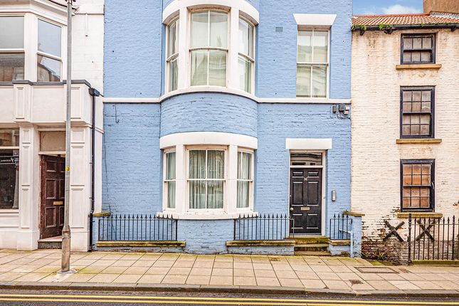 2 bed flat for sale in Queen Street, Scarborough, North Yorkshire YO11