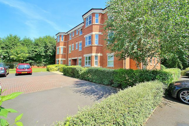 2 bed flat to rent in Oliver Close, Syston, Leicester