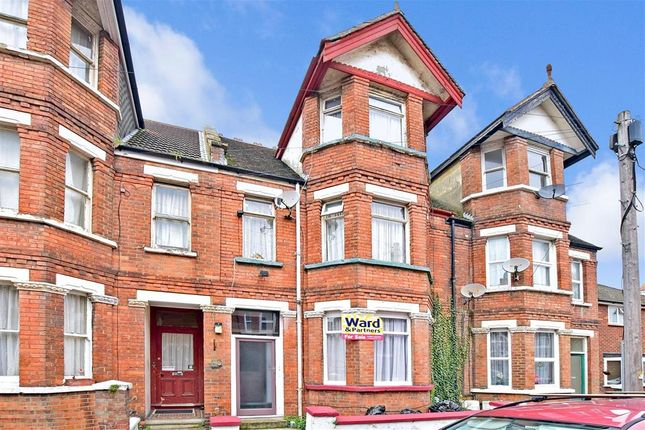 Thumbnail Terraced house for sale in Radnor Park Crescent, Folkestone, Kent