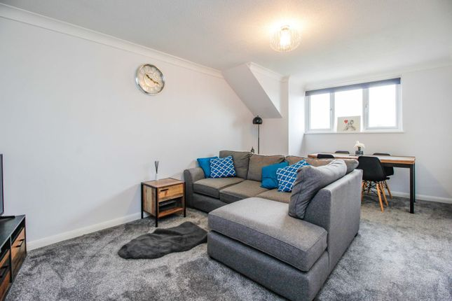 1 bed flat for sale in Rectory Road, Rochford SS4