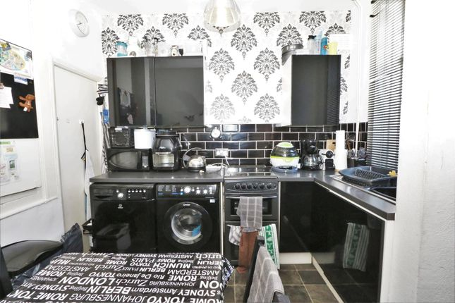 Kitchen  of Cragg Street, Bradford BD7