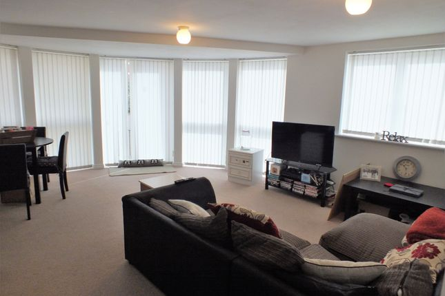 Thumbnail Flat to rent in Richmond Court, Exeter