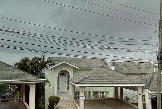 5 bed town house for sale in Mandeville, Manchester, Jamaica