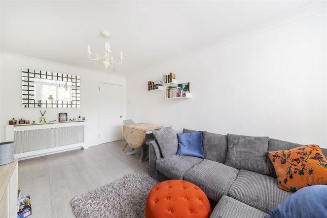 Flat for sale in St. Marys Road, Ealing