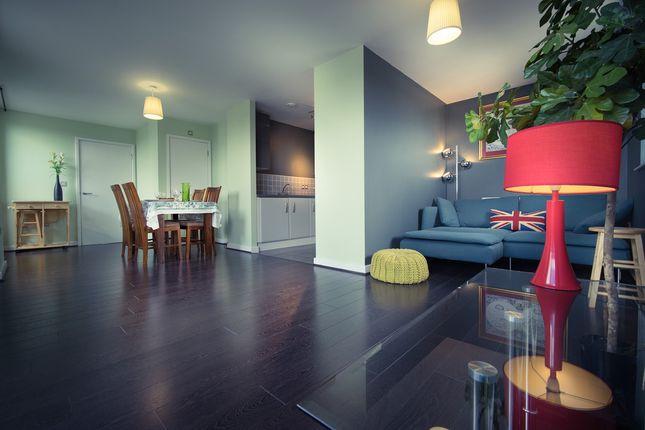 Thumbnail Flat for sale in Felstead Street, London