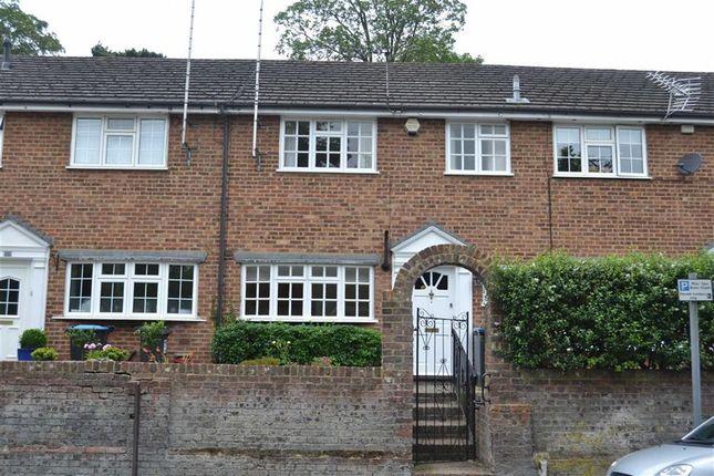 Thumbnail Terraced house to rent in Cotterells, Hemel Hempstead, Hertfordshire
