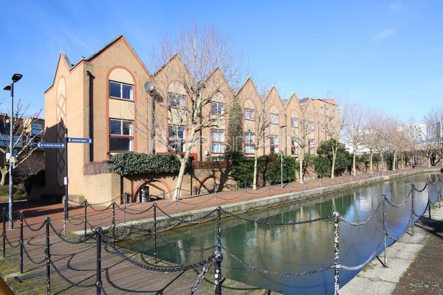 Thumbnail Terraced house for sale in Mace Close, Wapping
