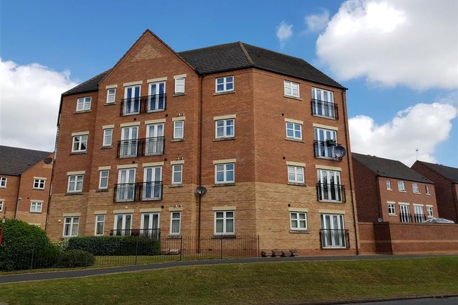 Thumbnail Flat to rent in Alder Carr Close, Redditch