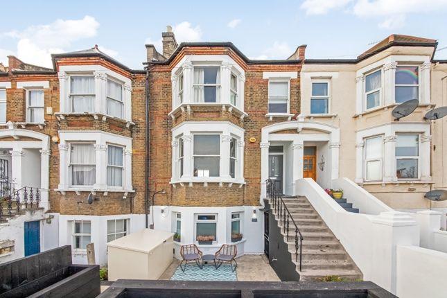 2 bed flat for sale in Wallbutton Road, London SE4
