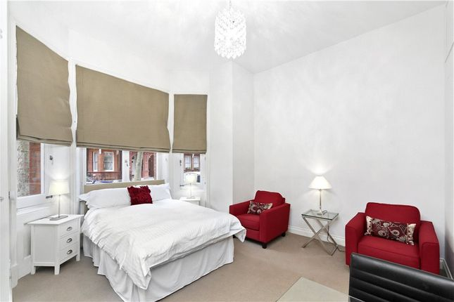 Thumbnail Studio to rent in Sloane Gardens, Chelsea, London