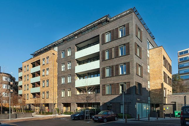 Thumbnail Flat for sale in Cecil Grove, London