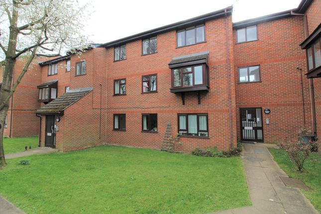 Thumbnail Flat to rent in Northcott Avenue, London
