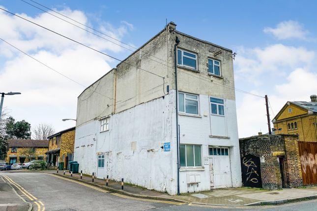 Office to let in Lyham Road, London