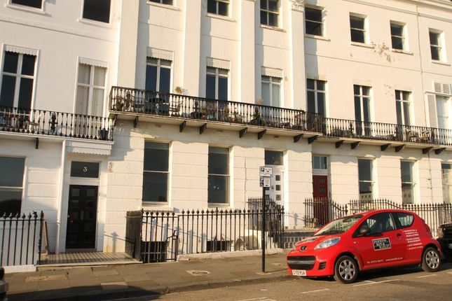 Thumbnail Flat to rent in Lewes Crescent, Brighton