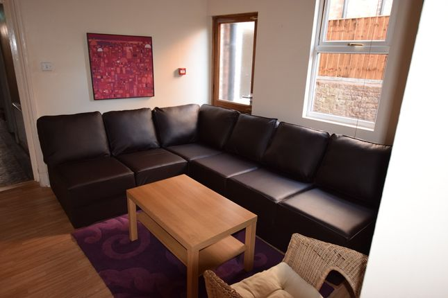 Thumbnail Terraced house to rent in Chichester Street, Chester