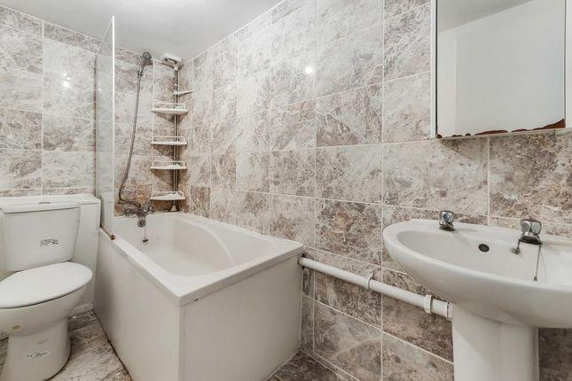 Bathroom of Longley Road, London SW17