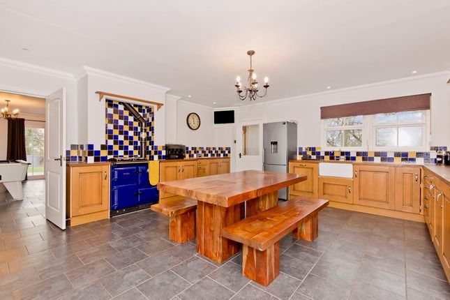 Kitchen of Thatched Cottage, Murroes, Broughty Ferry DD5