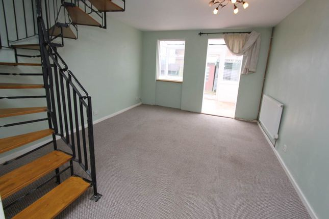 Living Room (1) of Murlande Way, Rhoose, Vale Of Glamorgan CF62
