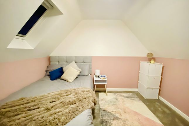 Room to rent in Travey Road, Sheffield, South Yorkshire S2