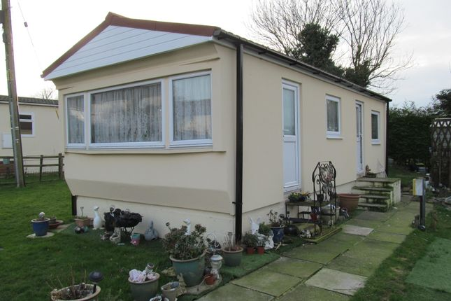 Thumbnail Mobile/park home for sale in Meadow Close (Ref 5817), Yatton Keynell, Chippenham, Wiltshire