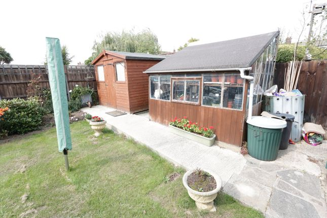 Picture No. 10 of Larkfield Close, Rochford, Essex SS4