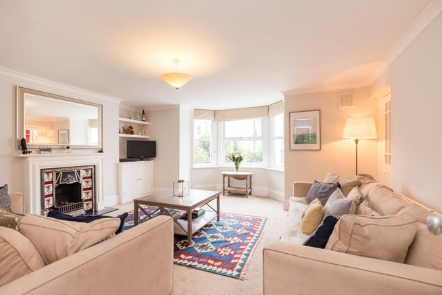 Thumbnail Maisonette for sale in Hanley Road, Stroud Green