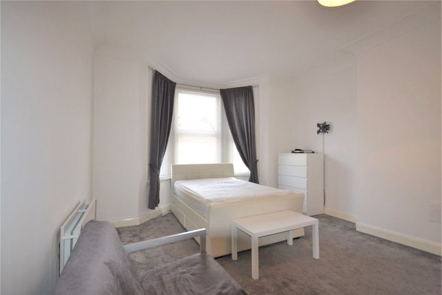 Thumbnail Flat to rent in Cambridge Road, Penge
