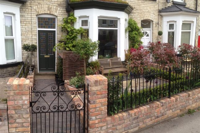 Thumbnail Terraced house for sale in Gladstone Street, Scarborough