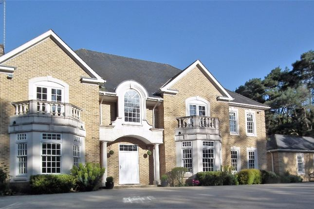 Thumbnail Country house to rent in Westwood Road, Windlesham