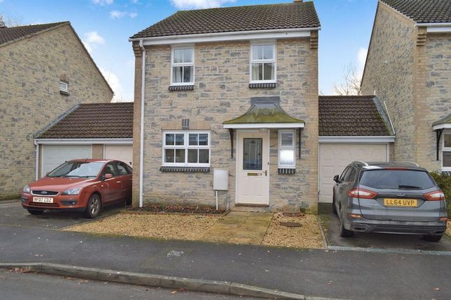 3 bed link-detached house for sale in Long Hill, Mere, Warminster