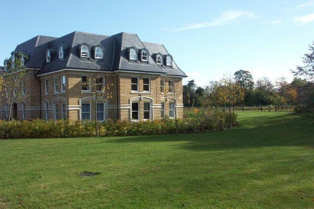 Thumbnail Flat to rent in Holmesdale Road, Teddington