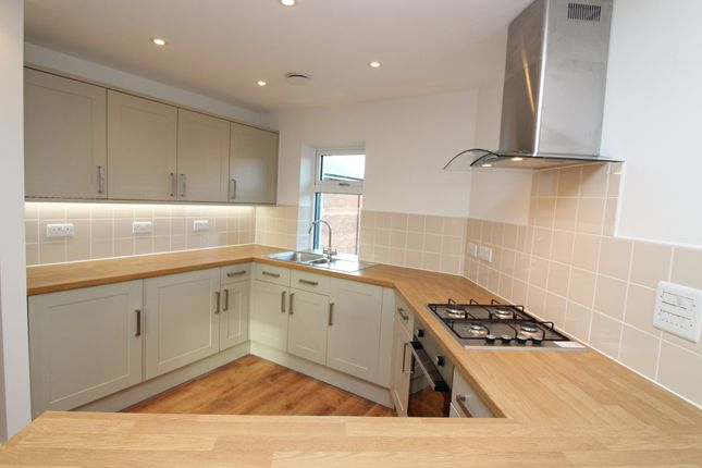 2 bed flat to rent in Willeys Avenue, Exeter, Exeter, Devon