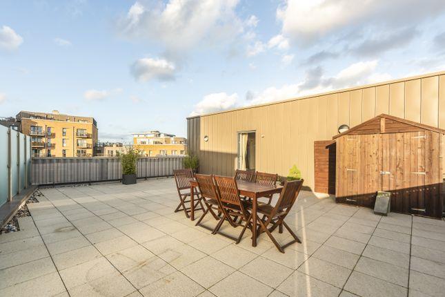 Roof Terrace of Connersville Way, Croydon CR0