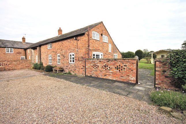 Thumbnail Barn conversion to rent in Hobbs Hill Lane, High Legh, Knutsford