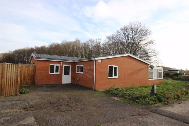 Thumbnail Detached bungalow to rent in Sun Valley Bungalow, Stoney Street, Madley, Herefordshire