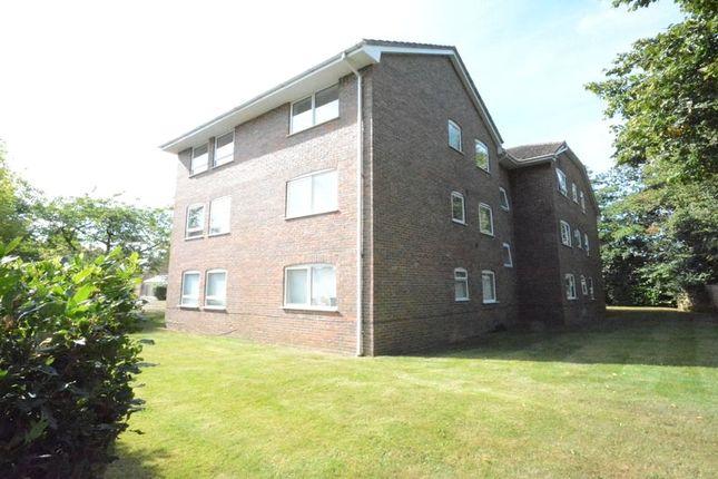 2 bed flat for sale in Underwood Court, Chapel Lane, Binfield